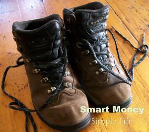 smart-money-simple-life-hitech-boots-2
